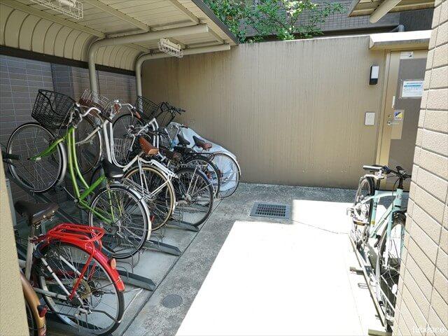 サーパス善光寺下・自転車置場