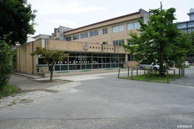 南部小学校 約1,598m(徒歩20分)