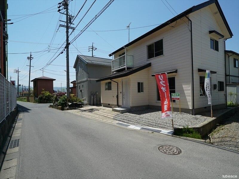 外観・前面道路