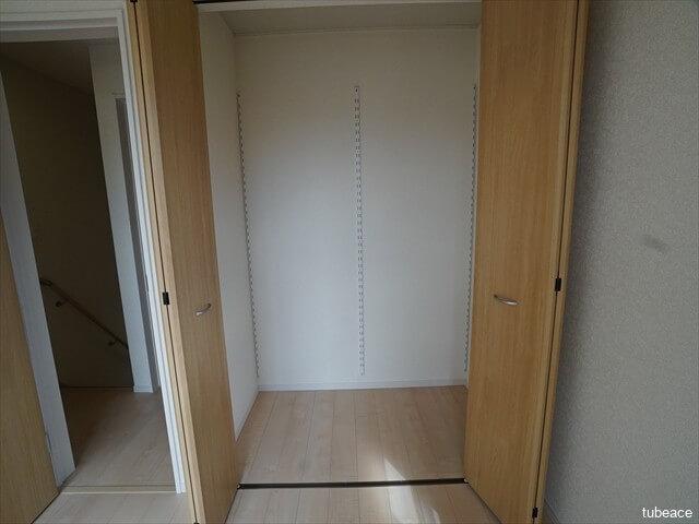 2階 洋室4.5帖のクローゼット