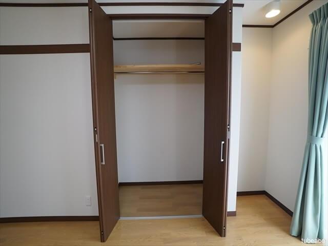1階 洋室8.5帖のクローゼット