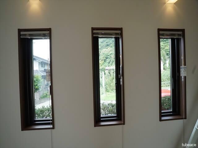洋室10帖 窓