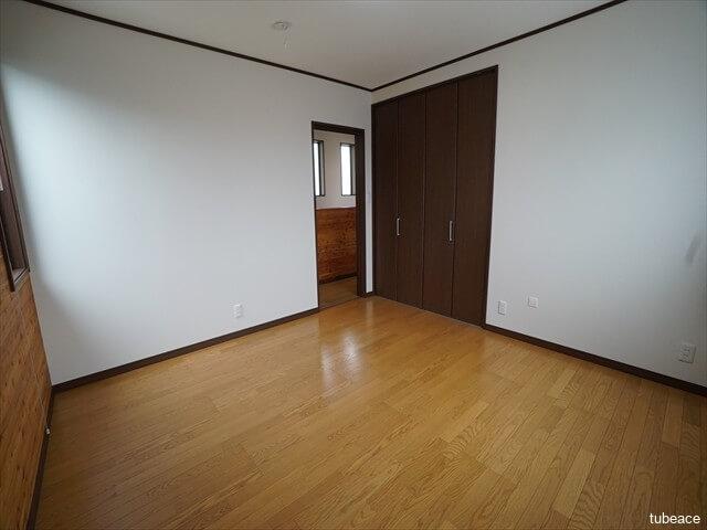2階 西側洋室8帖