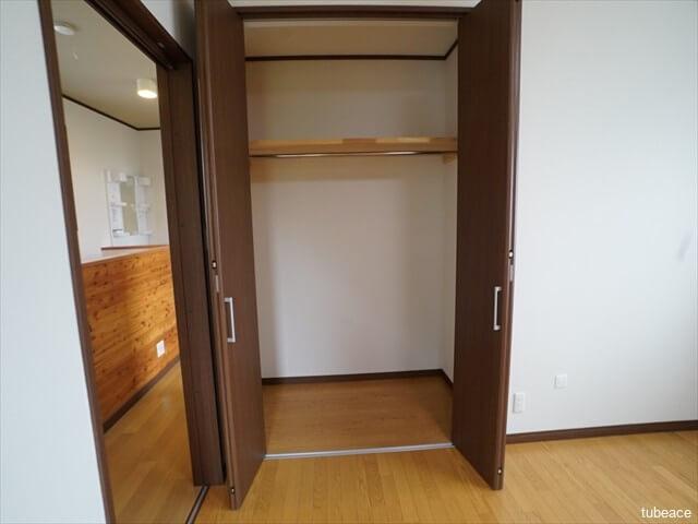 2階 西側洋室8帖のクローゼット