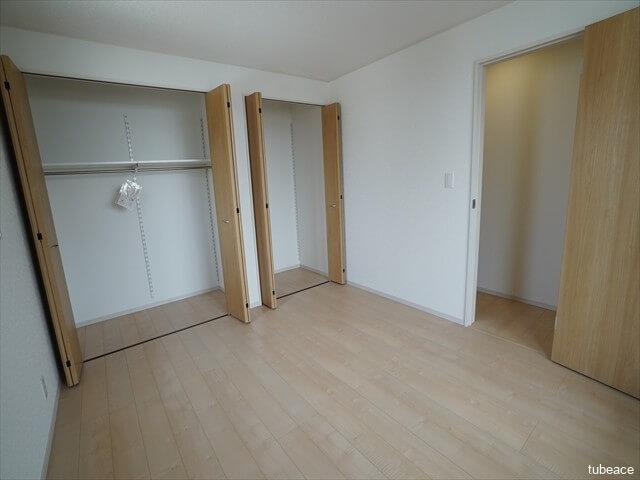 2階 洋室約7帖