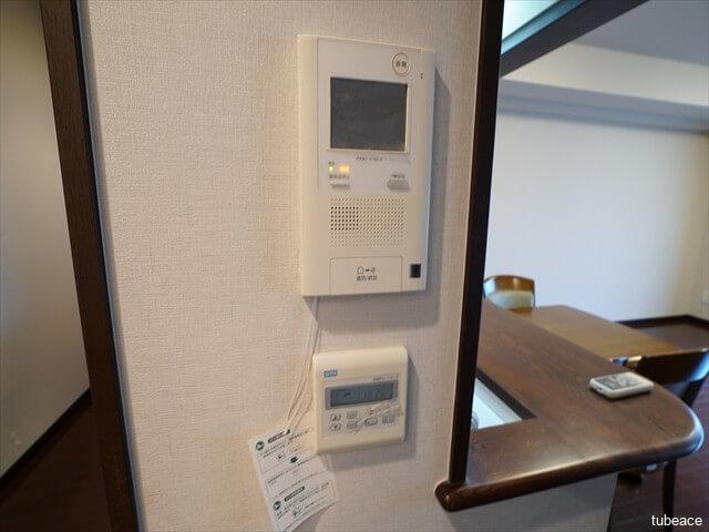 カラーモニター付インターホン、床暖房コントローラー