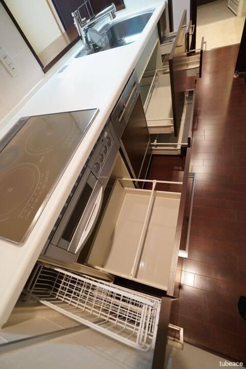 効率的な収納スペースで調理作業も効率的に。