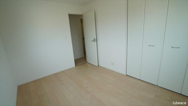 2階 洋室 約6帖