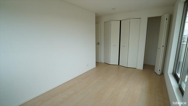 2階 洋室 約8帖