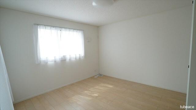 2階 洋室 8帖