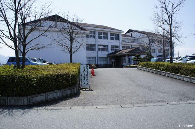 犀陵中学校 約1,700m(徒歩22分)