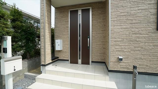 玄関・ダブルロックドア