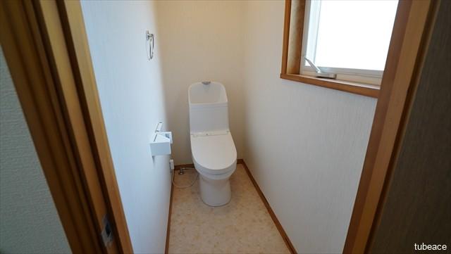 2階 トイレ 洗浄機能付暖房便座・新品