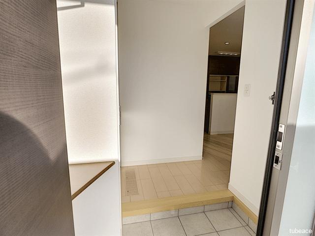 玄関スペースはお部屋の中が見えないつくりとなっています。