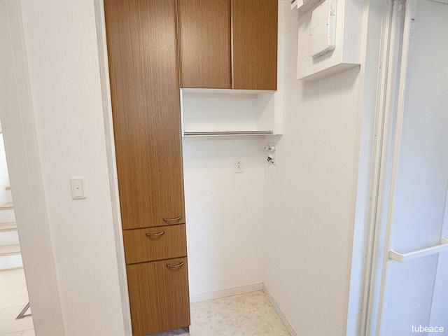 洗面・脱衣室の収納、洗濯機置き場