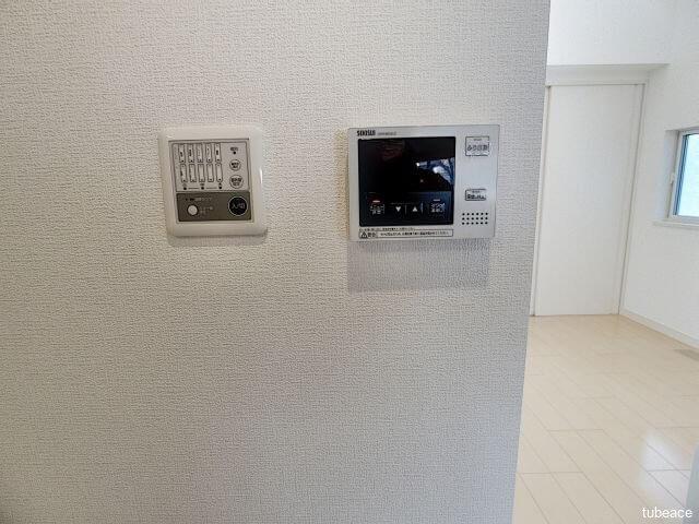 蓄熱式床下暖房のコントローラー、給湯器リモコン