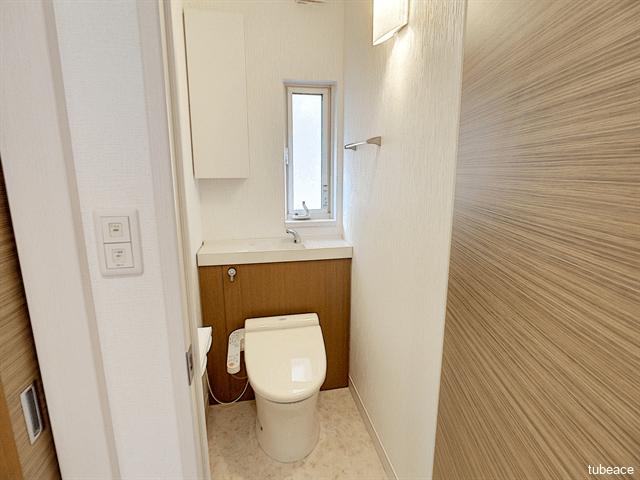 現代の必需品、シャワートイレが嬉しいですね。