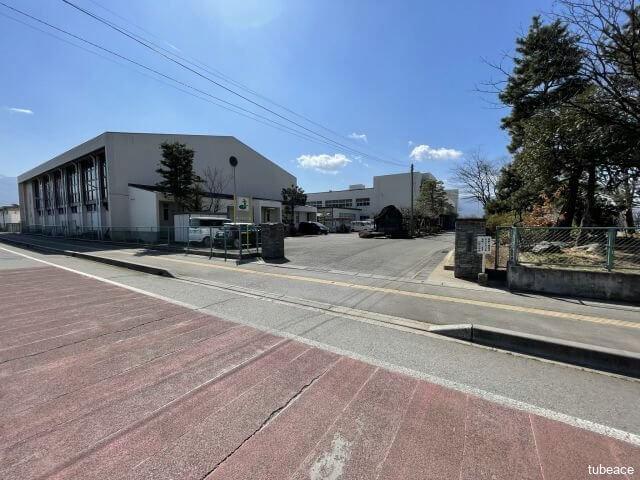 日野小学校 約1,200m(徒歩15分)