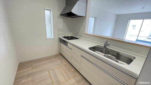 横幅の広いキッチンは毎日のお料理も楽しくなりそうです。