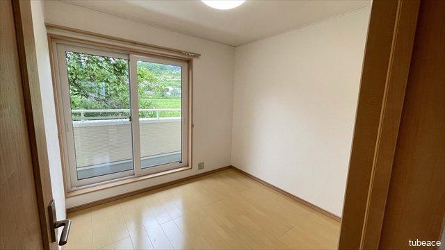 約4.5帖の洋室です。寝室としても子供部屋としても十分な広さです。