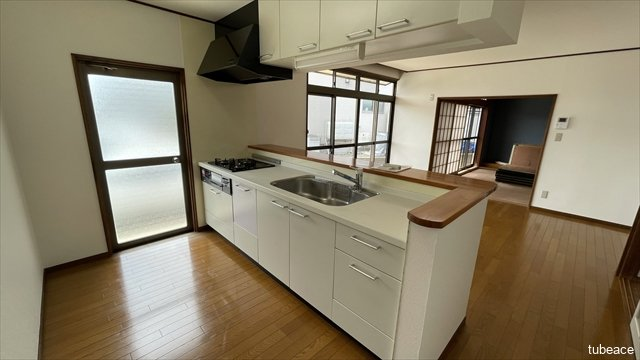 キッチン ゆとりのあるキッチンスペースでお料理がはかどりますね。