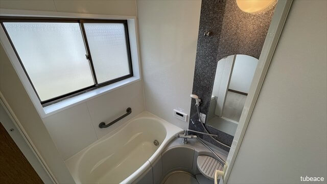 浴室 追焚機能付でいつでも暖かいお風呂にゆっくり入浴できます。