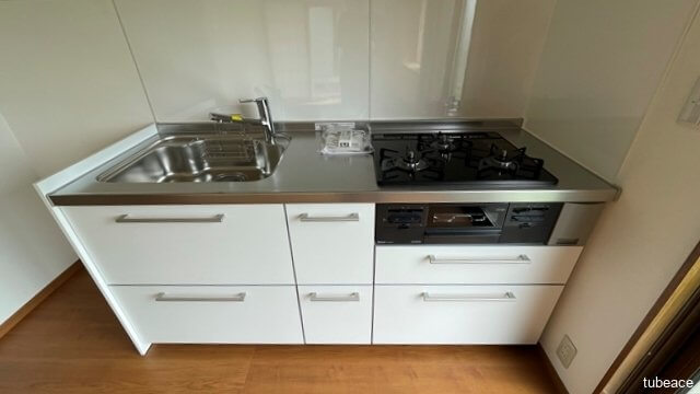 収納豊富なシステムキッチン。お料理がはかどりますね。